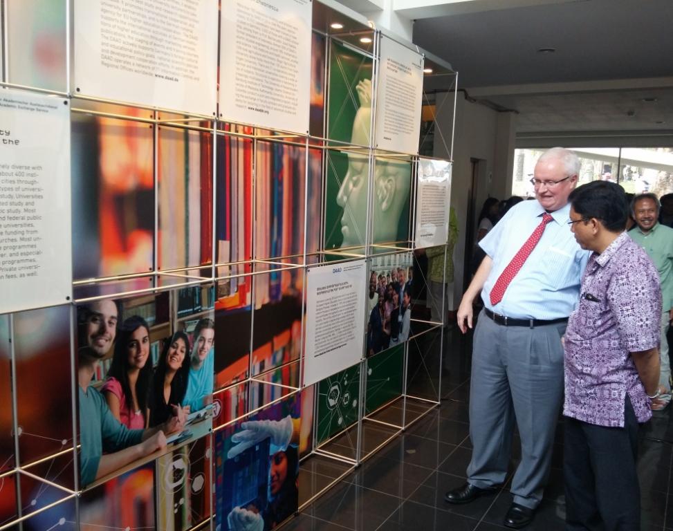 Pameran Sains & Teknologi Jerman – Indonesia  Memamerkan Inovasi Ilmiah dan Hasil Kerjasama Kedua Negara Kepada Para Penggemar Sains di Bandung